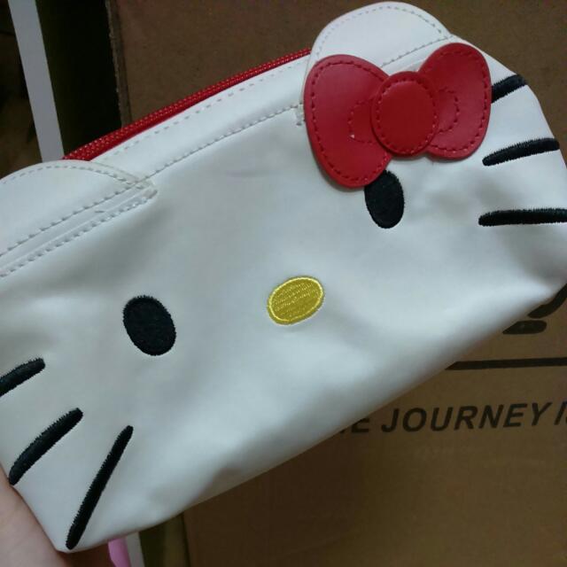 日本帶回全新KT化妝包 🎈