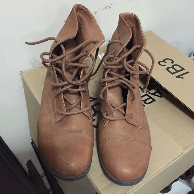 Slightly Used Boots - US size 9