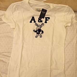 A&F上衣 全新未剪標