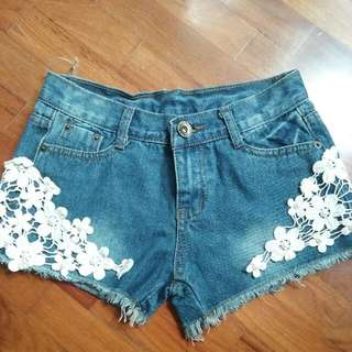 laced shorts (jeans)
