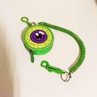 (已保留)👻二手倫敦購入 KREEPSVILLE 666 綠色眼球小錢包零錢包鑰匙包 萬聖節 貓咪曬月亮 ZARA TOPSHOP NUDE MOONCAT MANGO H&M ASOS