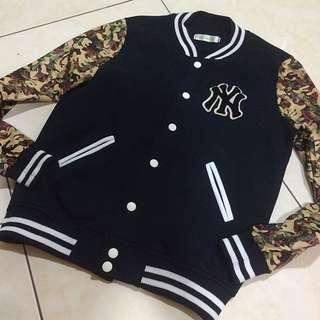 洋基logo迷彩接袖棒球外套