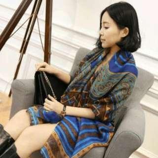 圖騰絲巾(藍色)
