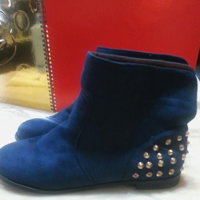 全新深藍色麂皮鉚釘平底踝靴 40號