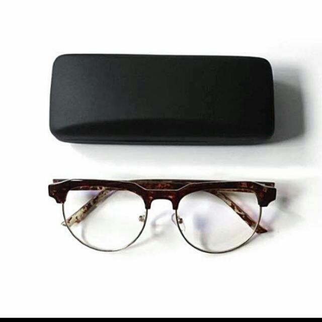 Cheap Monday 琥珀色平光眼鏡 全新 買了不適合故售出