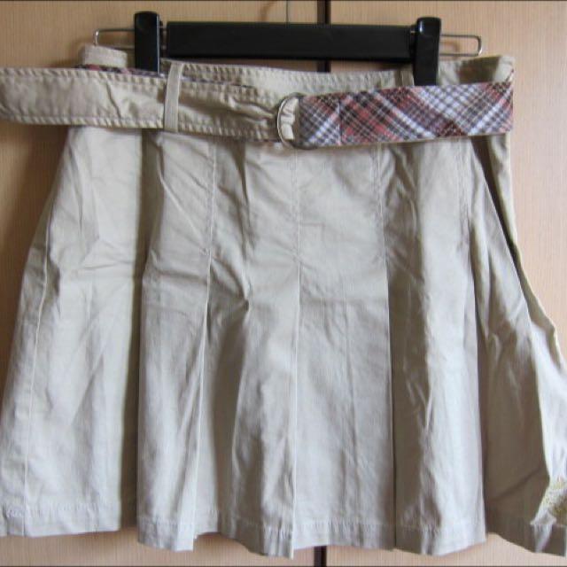 COTTON INN 淺卡其百褶短裙 附贈活動腰帶一只(如圖)百貨公司專櫃貨 約9成新 M號 350含運優惠價