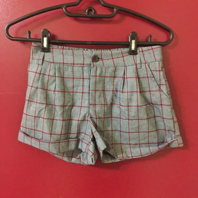 (保留)二手Queenshop英倫風格子短褲