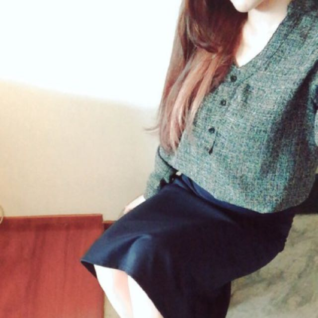 「貓咪曬月亮」混色v領襯衫