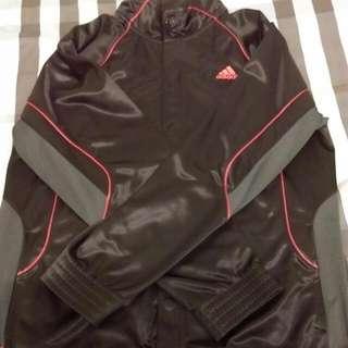 Adidas秋天外套