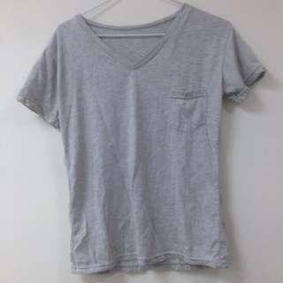 灰 V領 T恤(100含運)
