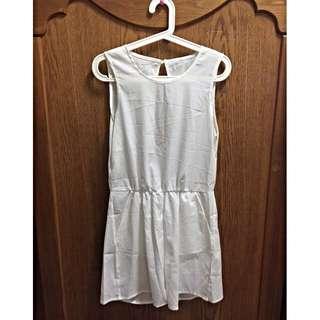 (大降價賣不掉就都回收了)白色連身褲 (size S/M)