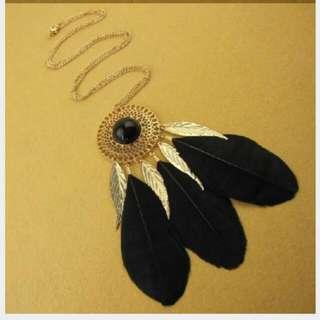 👍全新 黑羽毛流蘇項鍊👙