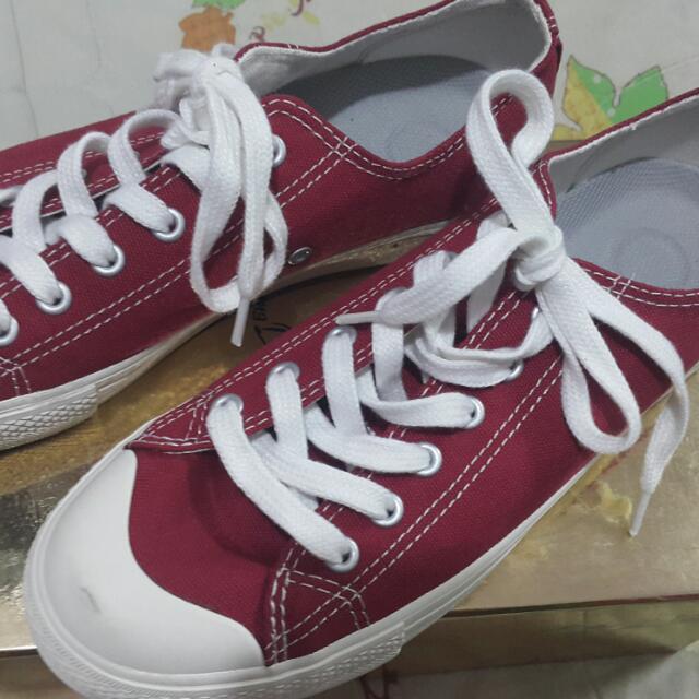 無印良品紅色帆布鞋39號