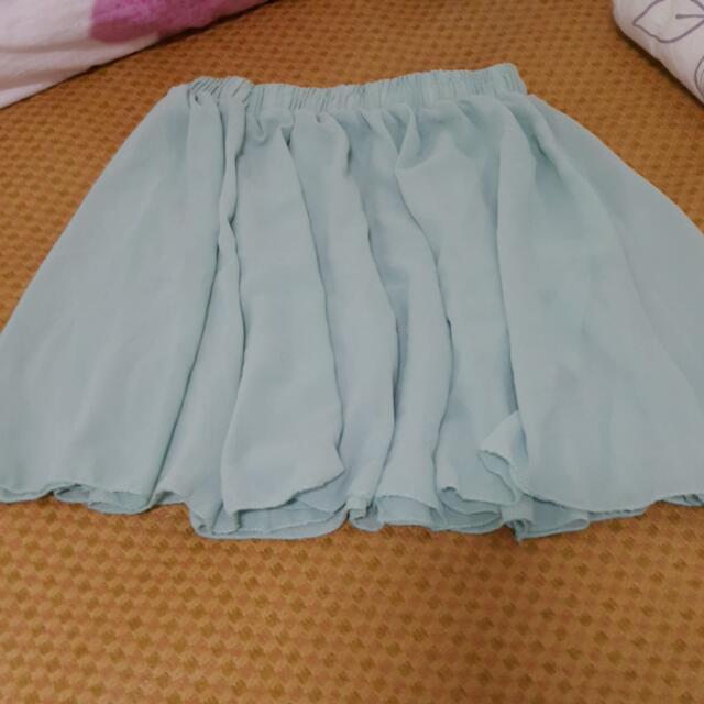 果綠色雪紡短裙