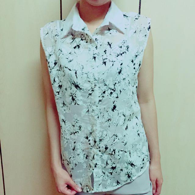 貓咪曬月亮-透視感花紋無袖襯衫