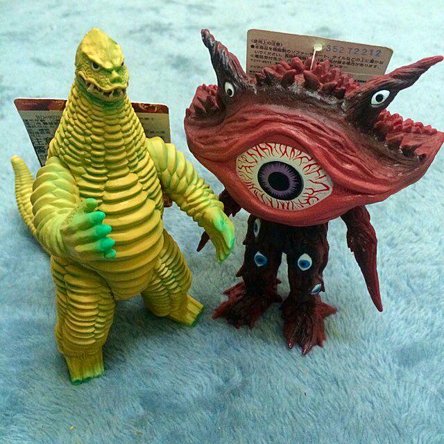多眼睛怪獸 恐龍