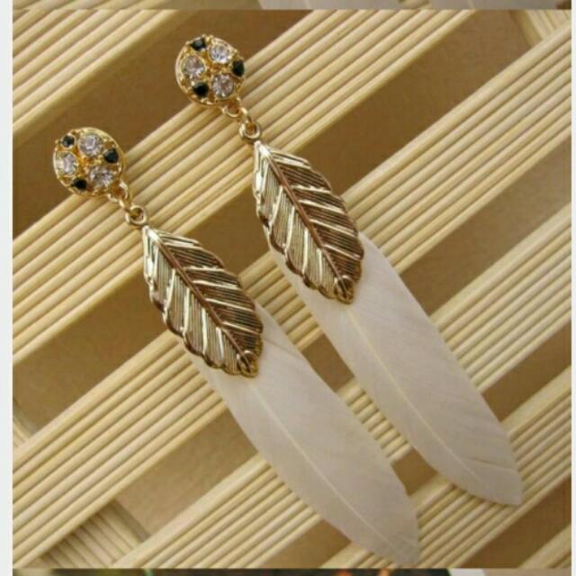 👍全新 鑽配羽毛美麗大氣耳環👙