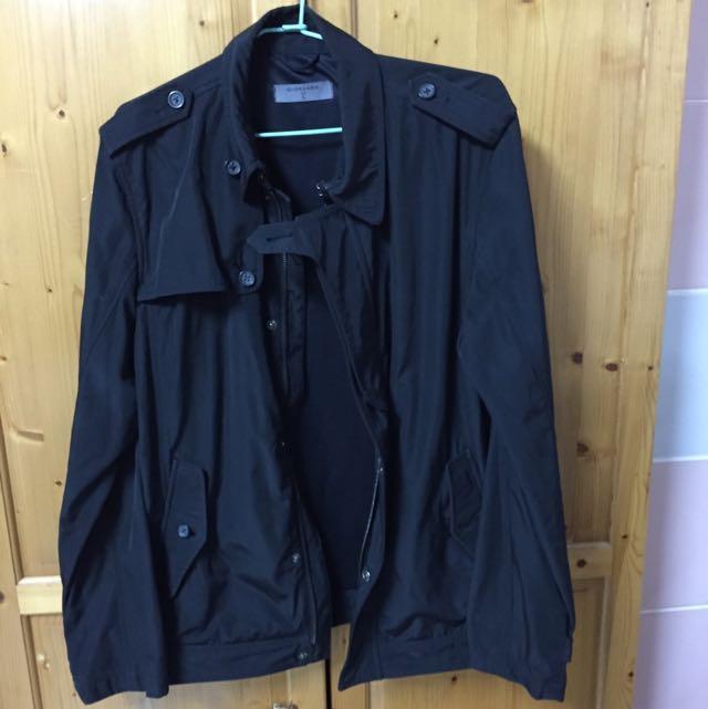 (已預訂)GIORDANO 黑色外套