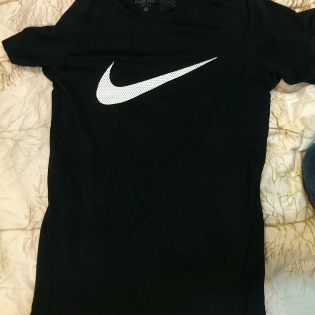 Nike Pro Combat 束衣