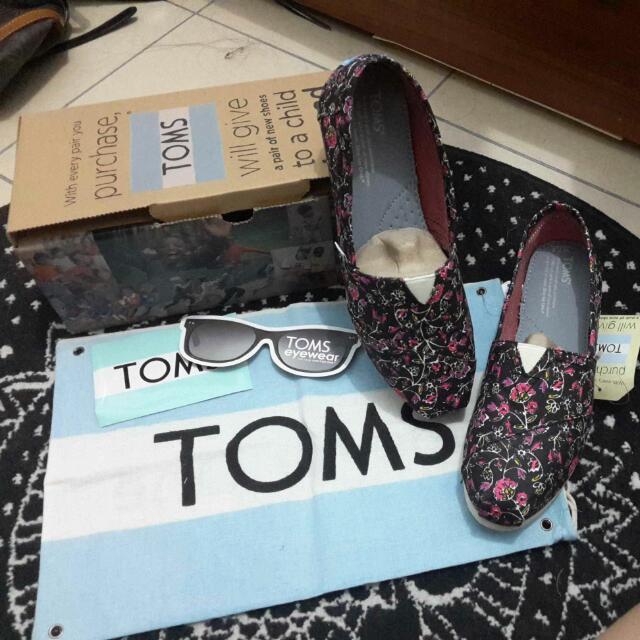 (保留)正品Tom's 花鞋 38號