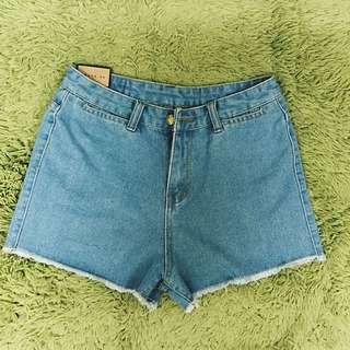 New高腰毛邊牛仔短褲