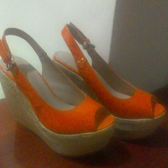 達芙妮魚口亮橘楔型鞋