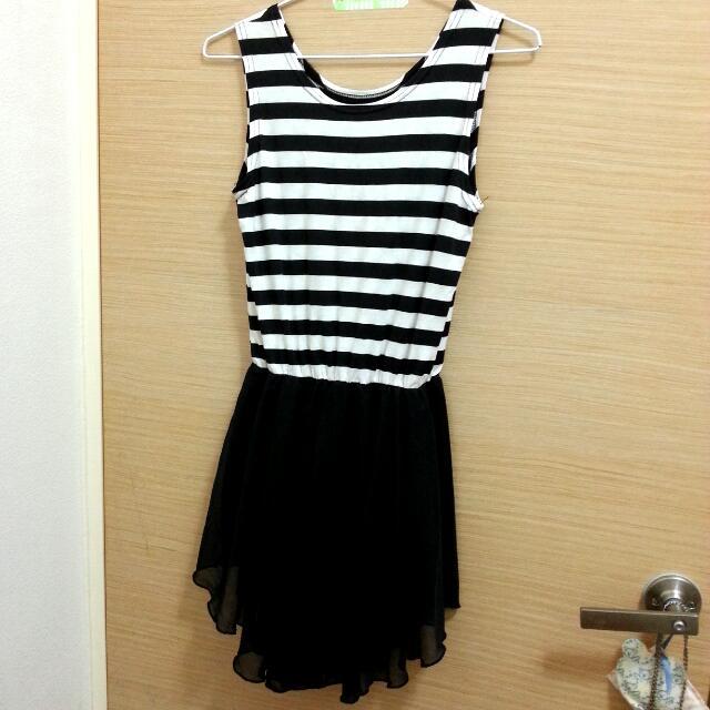 黑白條紋拼接不規則雪紡裙