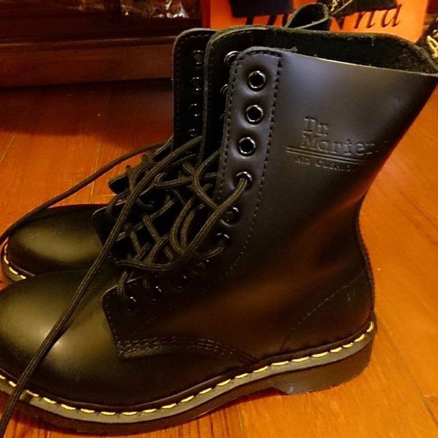 【Dr. Martens】(女)Dr.Martens經典1919 10孔鋼頭真皮馬汀靴-黑