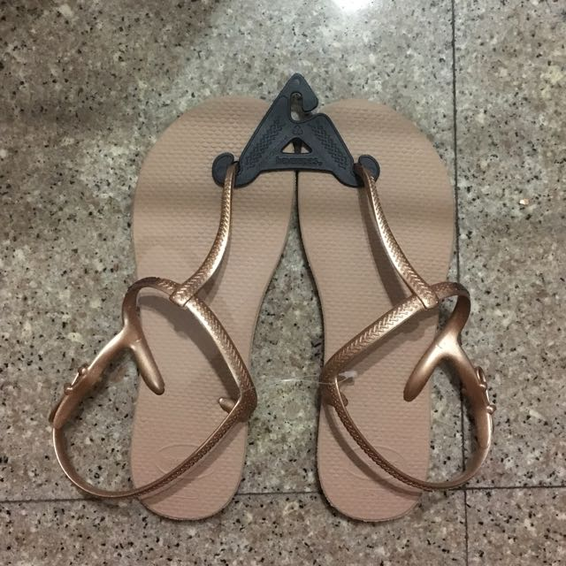 036805c89432 Havaianas Rose Gold Freedom Sandals