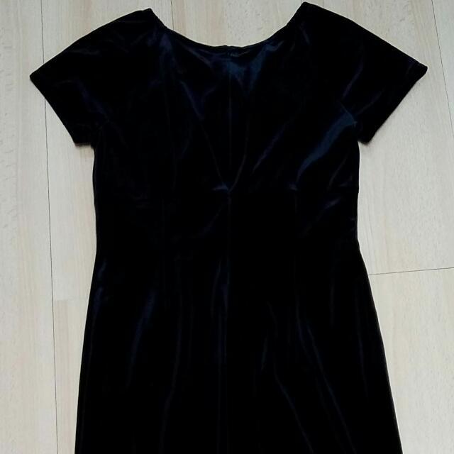 降價IF專櫃黑色緞面洋裝