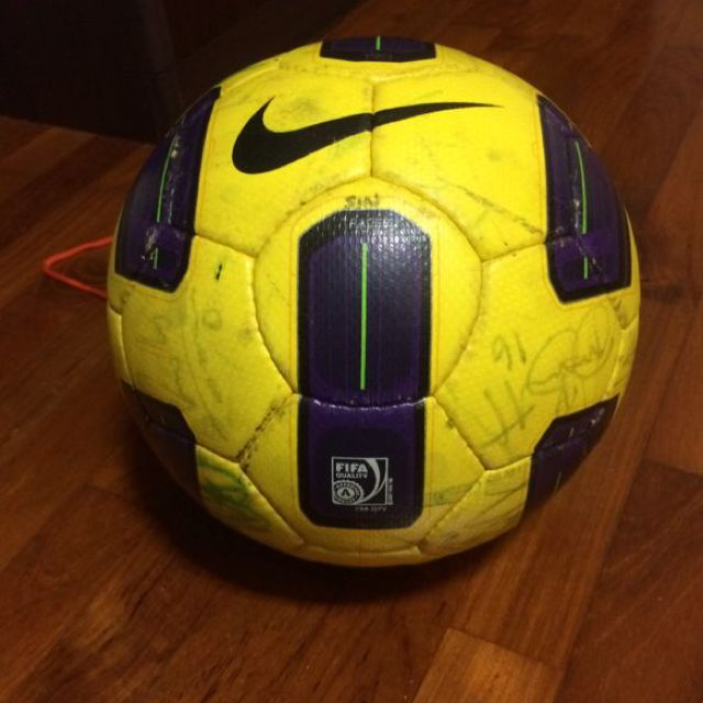 finest selection 4fa00 89567 Nike T90 Tracer Match Ball OMB, Sports on Carousell