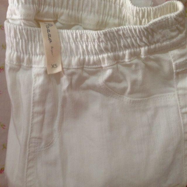 全新 Pazzo 顯瘦白褲