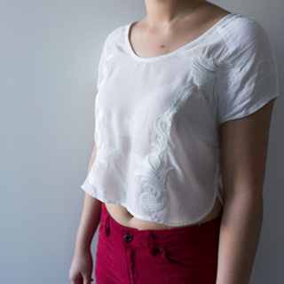 Alice in The Eve White Embroidered Crop Top