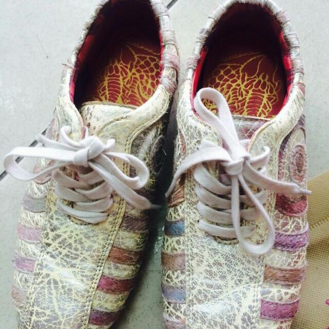 麥坎納馬毛運動鞋