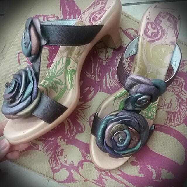 麥坎納 低跟拖鞋