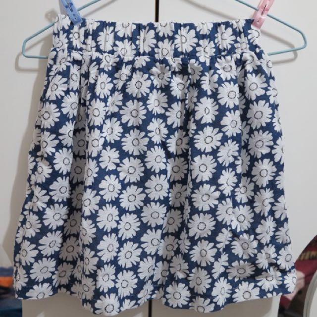 很可愛的花裙子 短裙