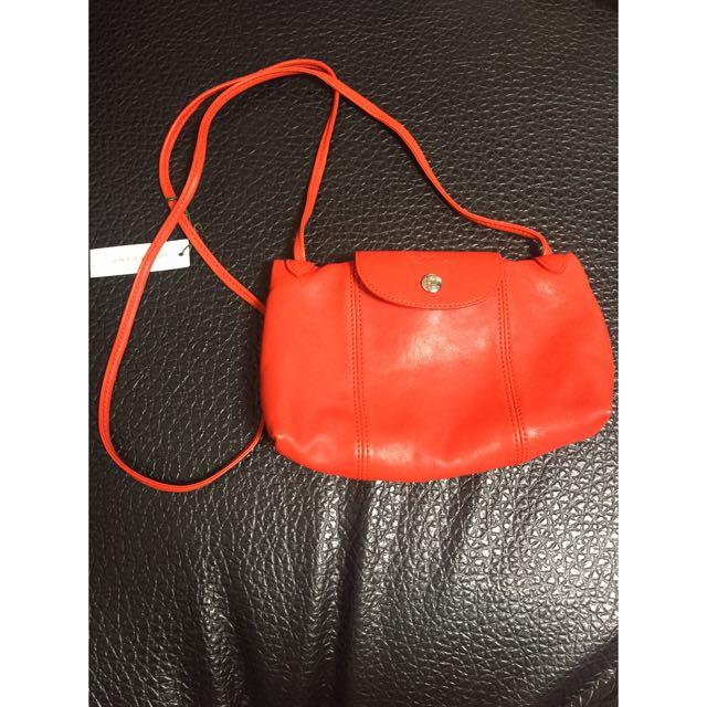 Longchamp 小羊皮斜背包(石榴紅)