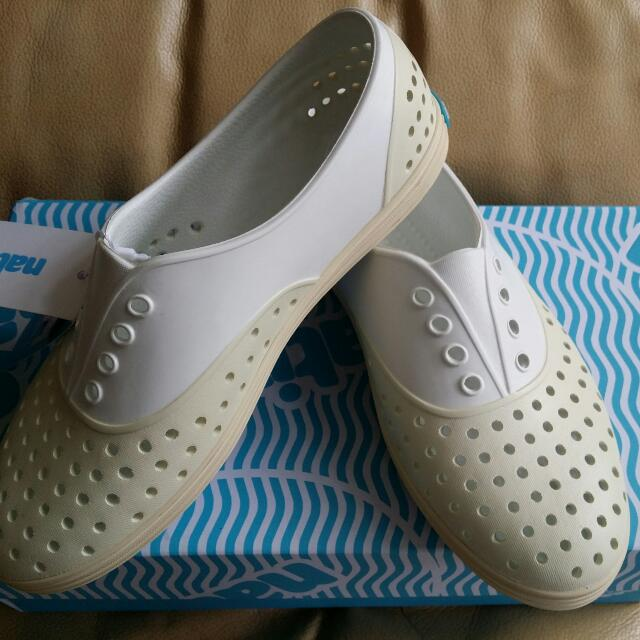 降價! 全新native 女鞋 白 w5 22.5cm