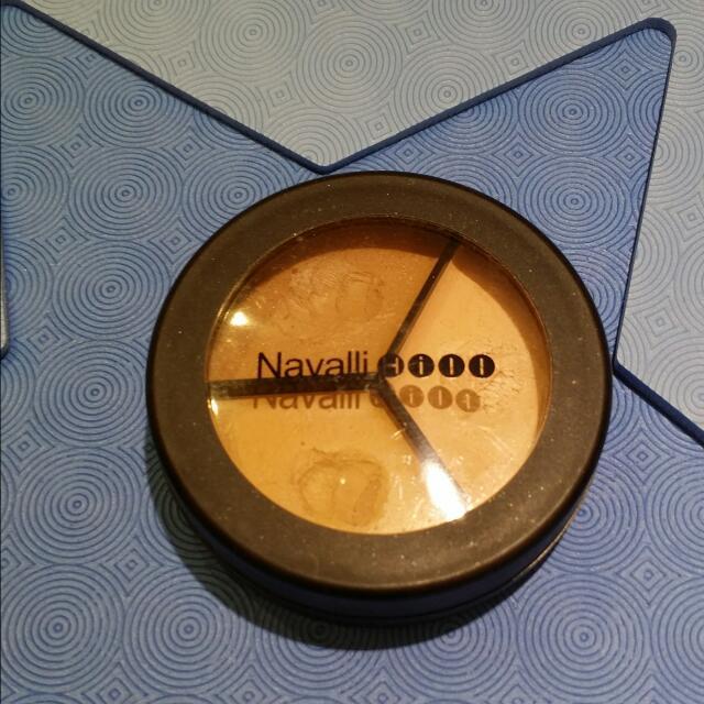 保留待匯♡Navalli Hill♡9成新。三色遮暇盤/三效遮暇膏