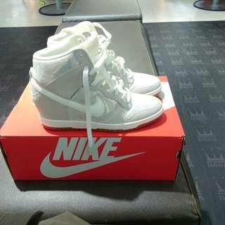 全新~Nike超美裸色內增高鞋24.5
