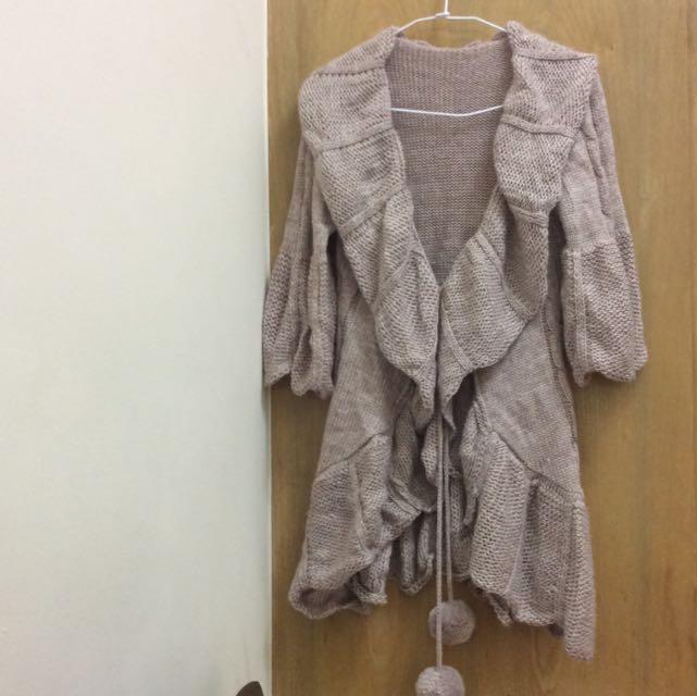 正韓 全新 米咖針織荷葉領開襟外套 澎澎袖 可愛毛球設計款