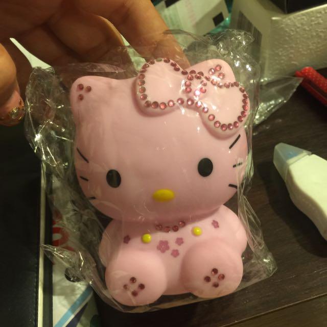輕巧又可愛的行動電源Kitty,日本帶回來的(全新)