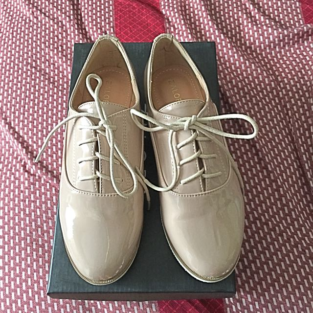 Patent Oxford Shoes - Nude Pink