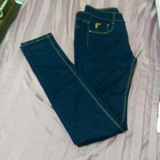 全新 窄管牛仔褲