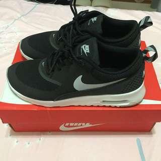 Nike Air Max Thea 23.5