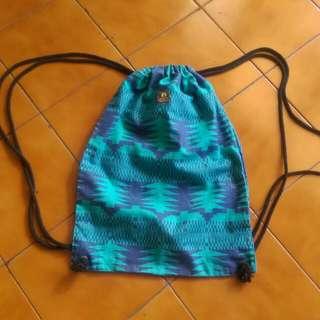 九成新  Livity  民族風  抽繩  束口袋 背包  帆布