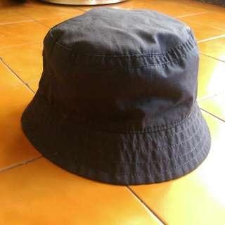 九成新  H&M  漁夫帽 雙面可戴  帆布  黑