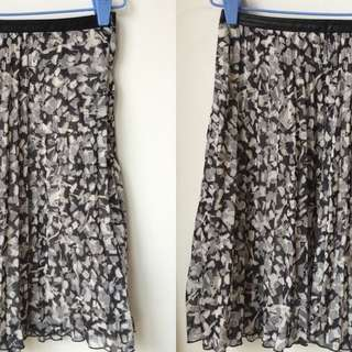 H&M Printed Flare Skirt