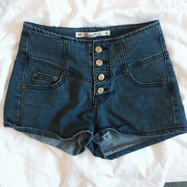 復古高腰排釦牛仔短褲