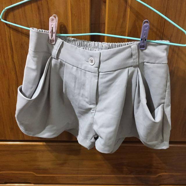 灰色雪紡短褲